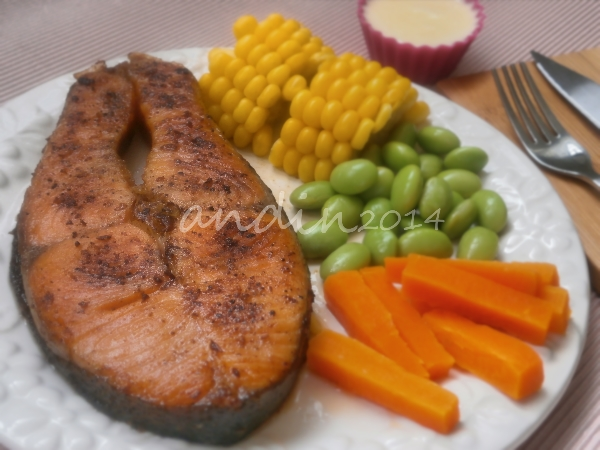 Resep Homemade Salmon Steak With Cheese Sauce Andinaseptiarani